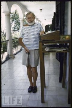 Hemingway-at-his-standing-desk